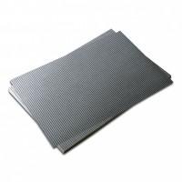 Vlnitá lepenka-matná stříbrná 50 x 70 cm